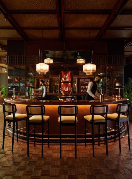 Ресторан с ностальгическим интерьером в Дубае