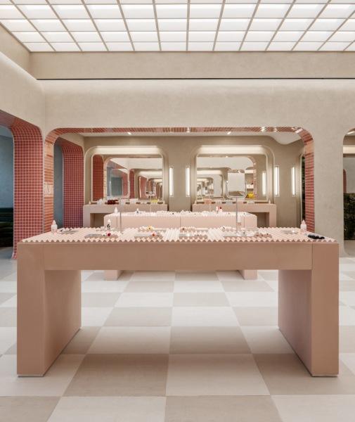 Розовый магазин косметики в Сиэтле