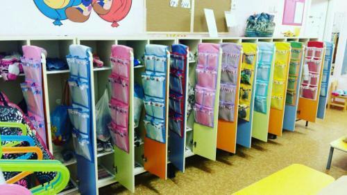 Шкафчики в раздевалку для детского сада. Разнообразие моделей